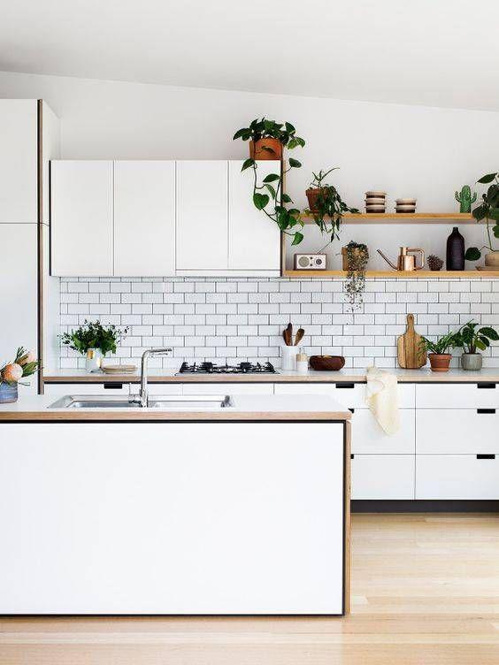 10 Inspirasi Model Rak Piring Cantik Untuk Kitchen Set Minimalis