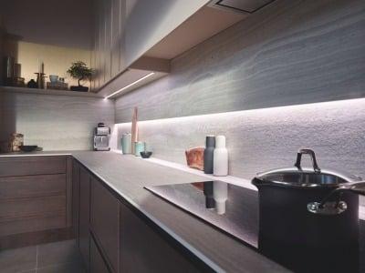 Model Kitchen Set dengan Teknologi yang Canggih