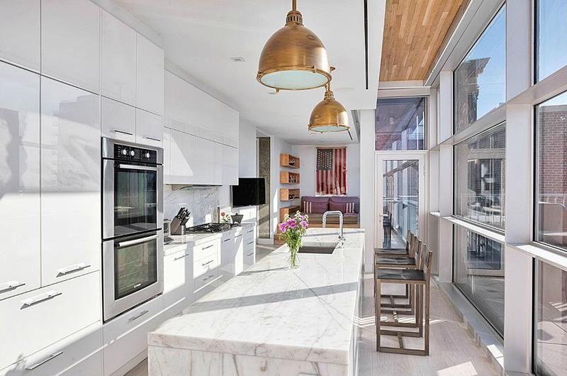 Dapur dengan pencahayaan maksimal