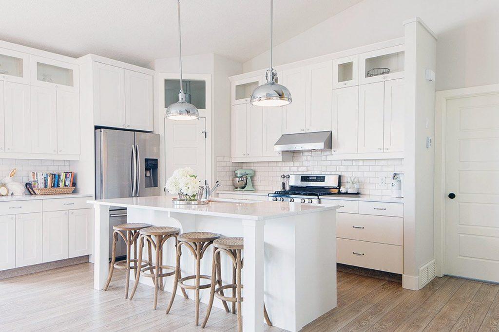 Dapur serba putih